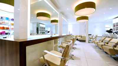 Salone di parrucchiere Byron Hairdressing