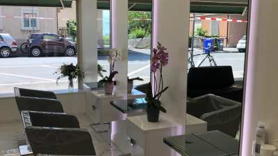 Hair salon  La signature