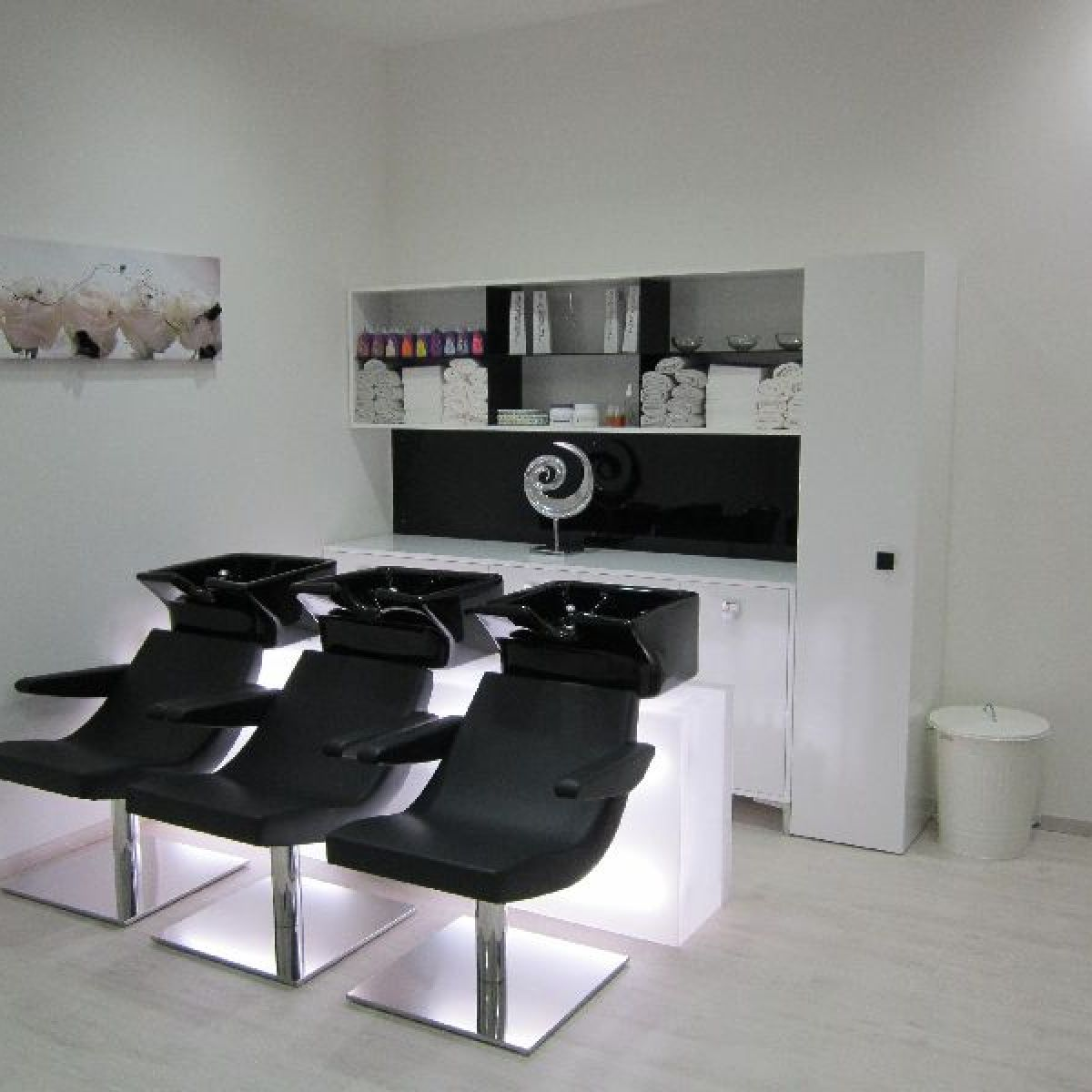 Nelson mobilier fabricant mobilier de coiffure made in for Mobilier salon