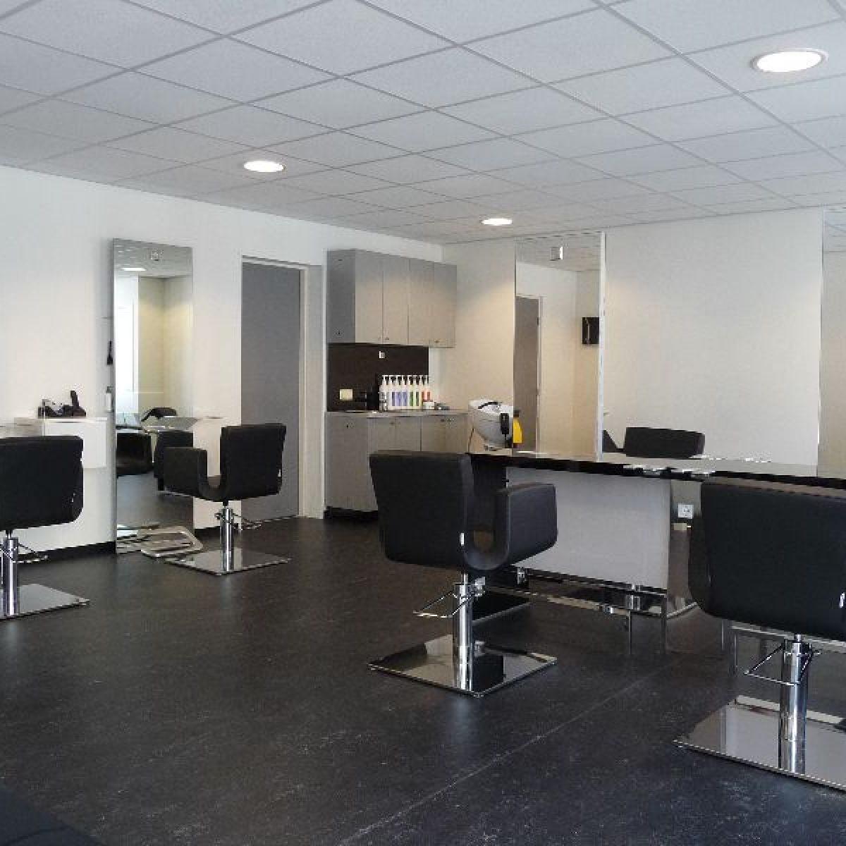 Nelson mobilier hair salon furniture made in france hair salon design hair salon interiors for Catalogue mobilier design