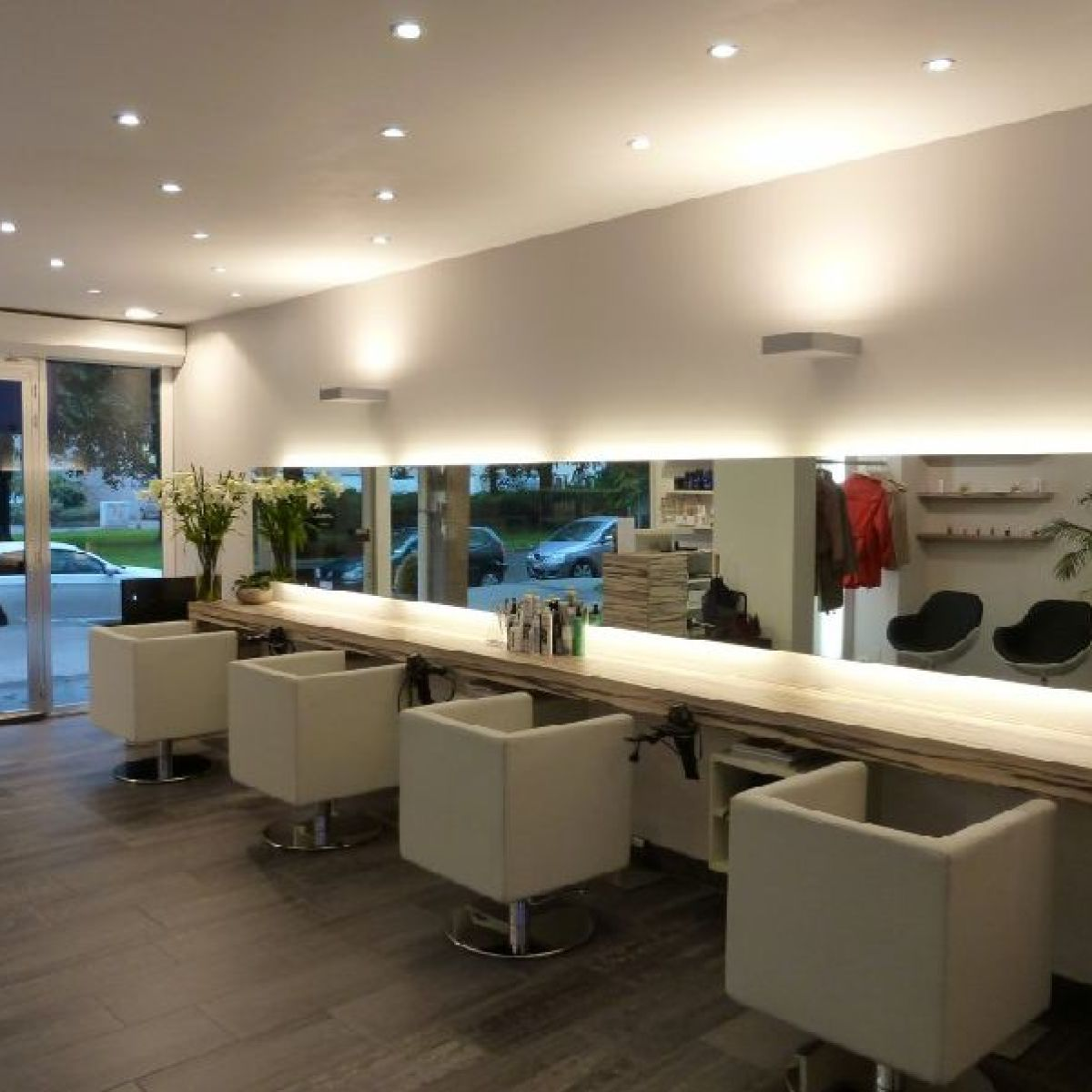 Awesome Mobilier Salon De Coiffure Moderne Photos - Awesome Interior ...