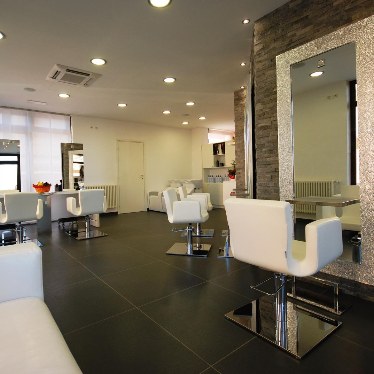 Nelson mobilier hair salon furniture made in france - Salon de chat francais ...
